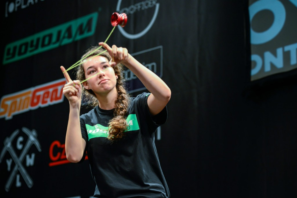Women World Yo-Yo Champion Tessa Piccillo